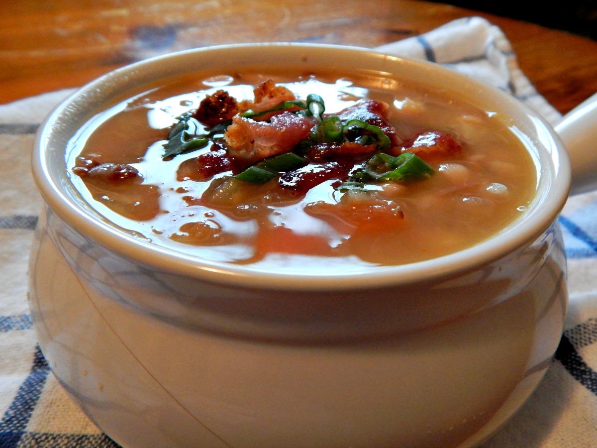 Navy Bean Soup with Bacon & Ham