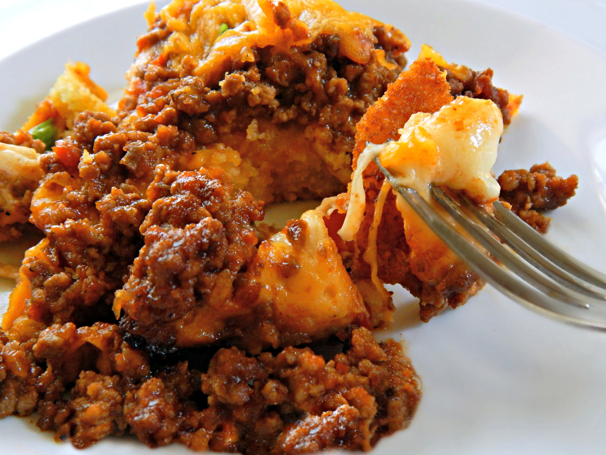Sloppy Joe Casserole, ground beef, cheese, cornbread, easy