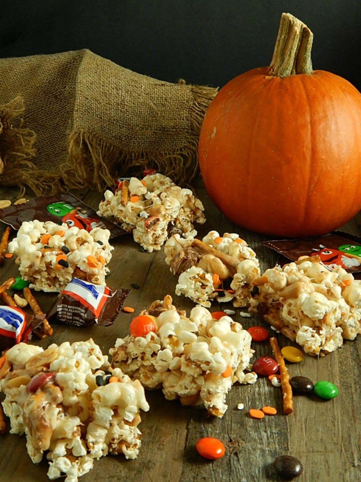Halloween Marshmallow Popcorn Bars