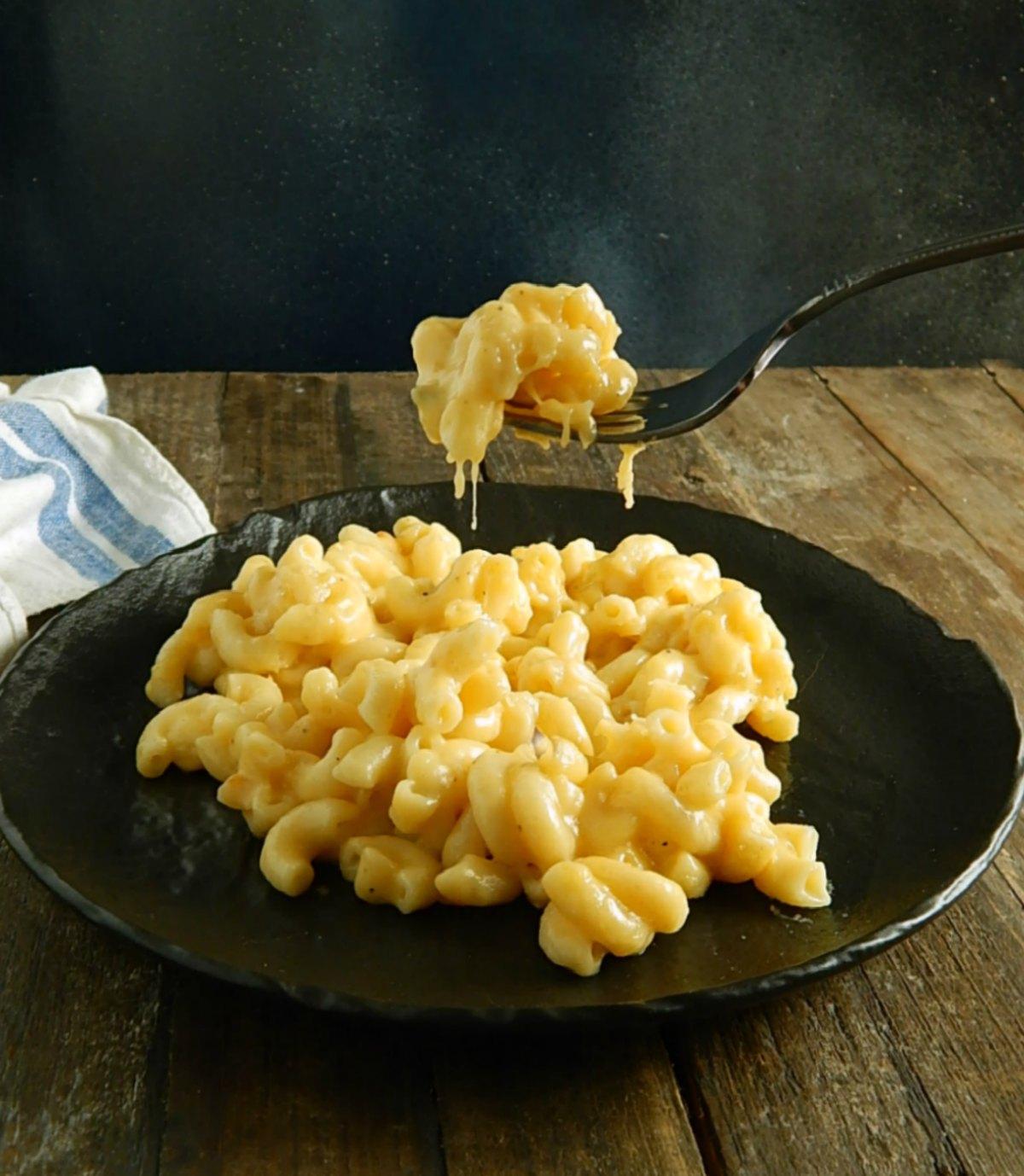 Instant Pot Macaroni & Cheese